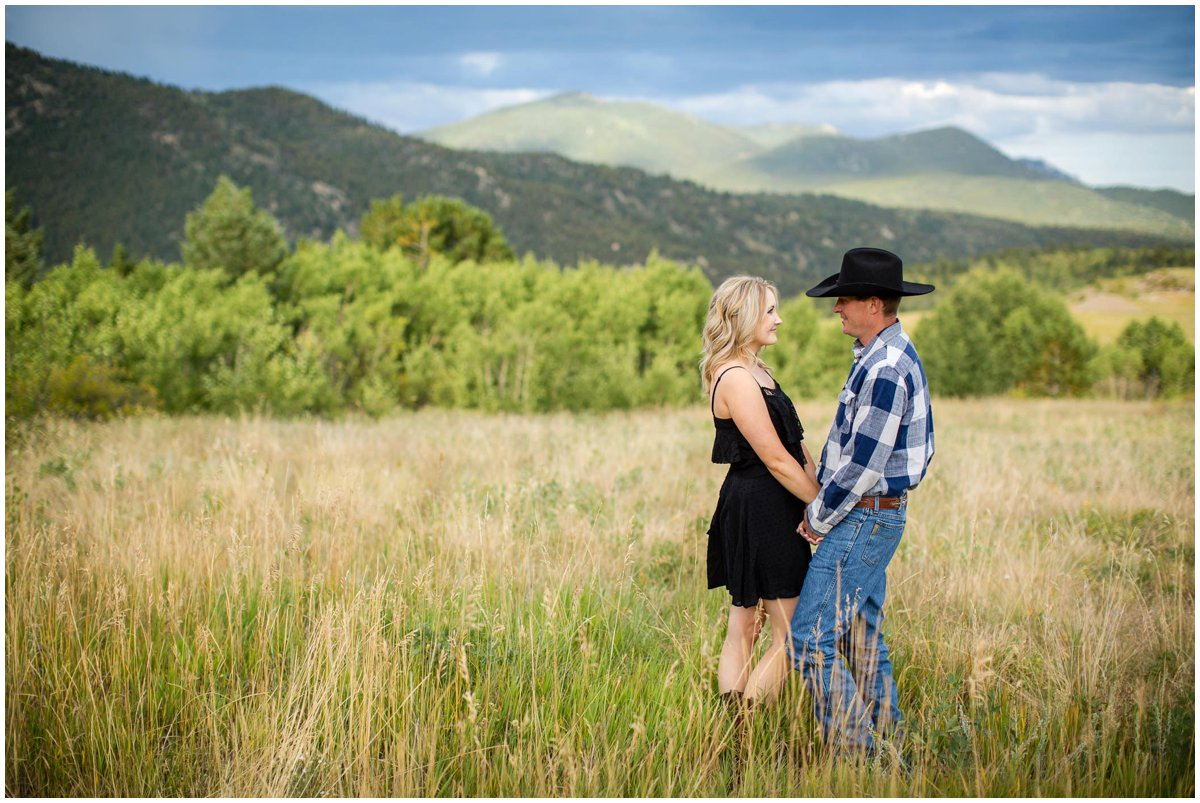 mj-colorado-mountain-engagement-photography-408B6901_BLOG