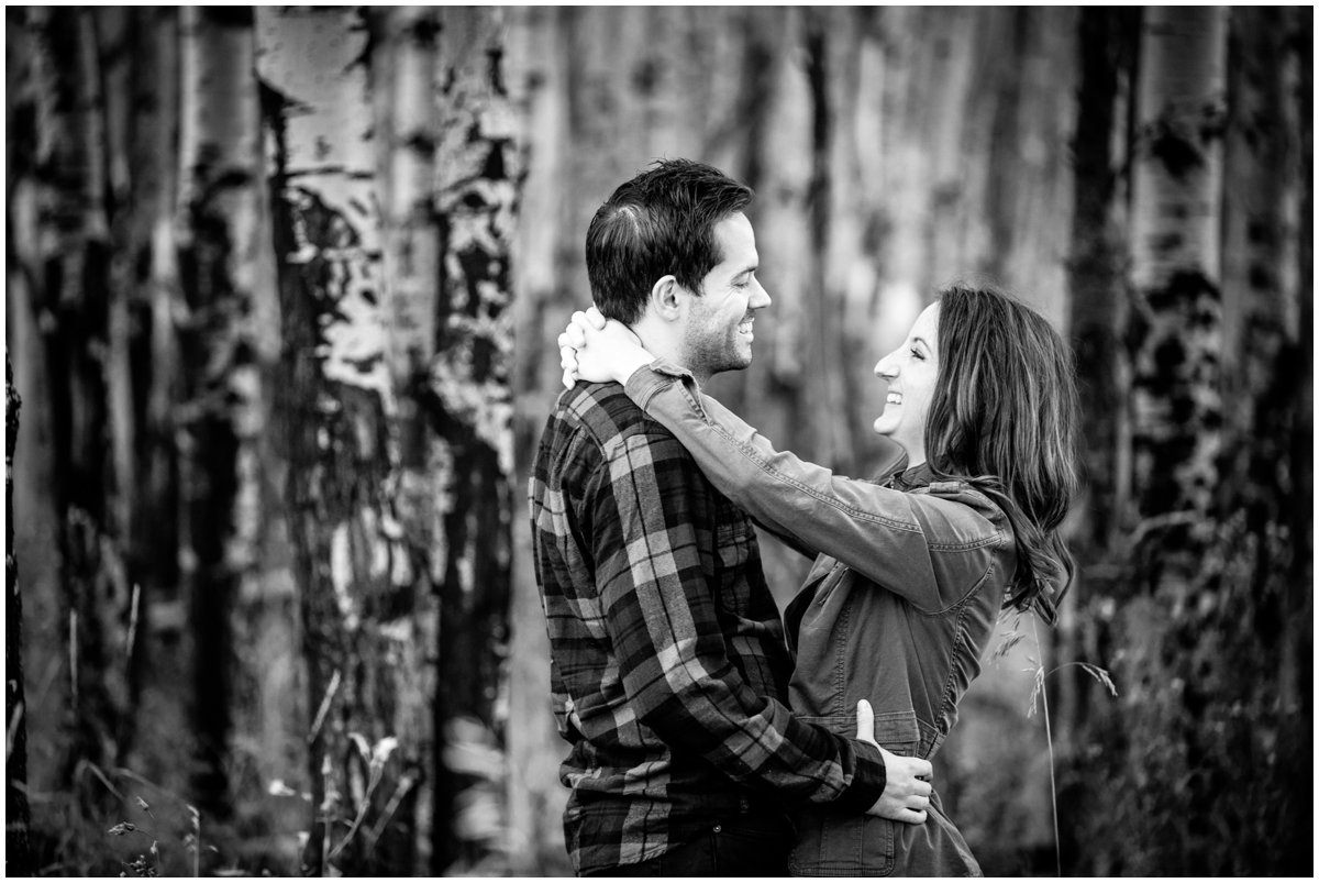 fall-aspen-tree-engagement-shoot-colorado-mountain-408B8348-Edit_BLOG