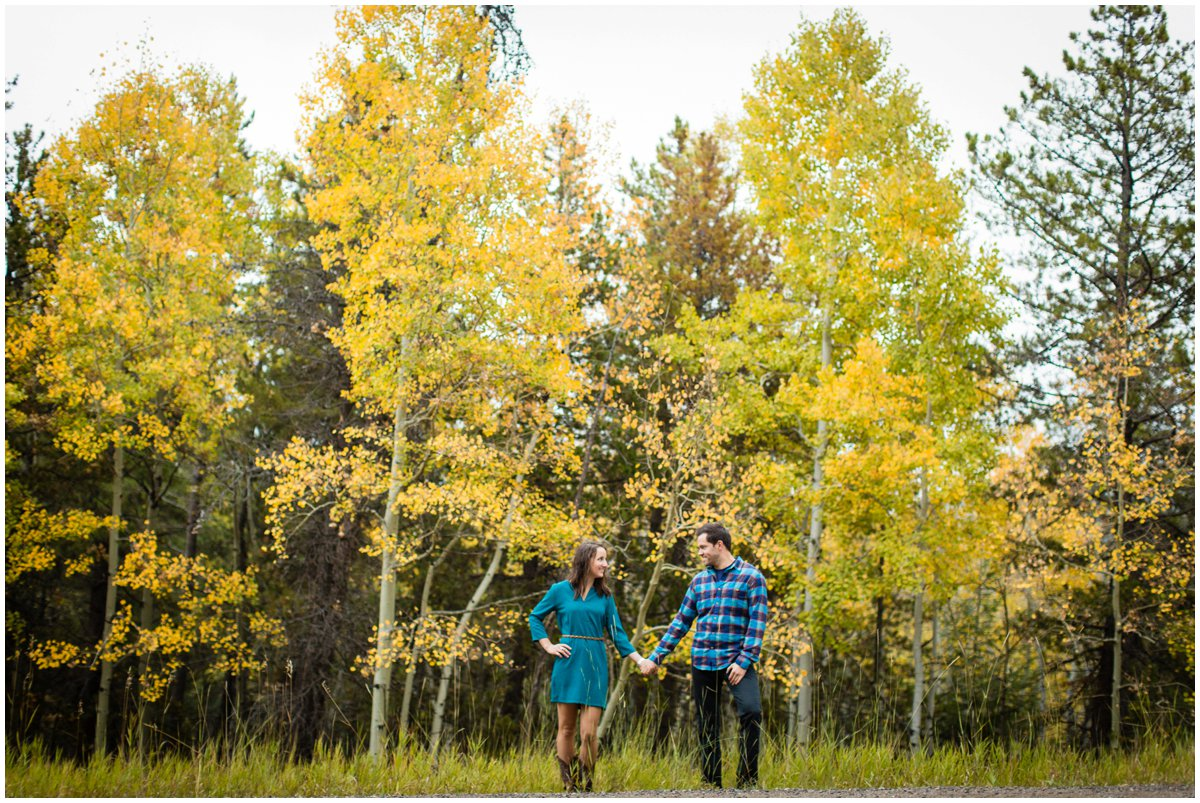 fall-aspen-tree-engagement-shoot-colorado-mountain-408B8575_BLOG